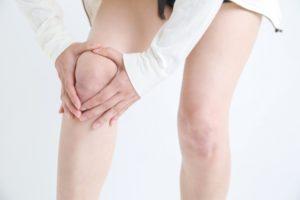 交通事故による脚や膝の症状